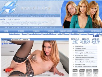 One of the best pay sex sites in the world with milfs and grannies.